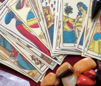 Mire használható az asztrológia, a tarot és társai?