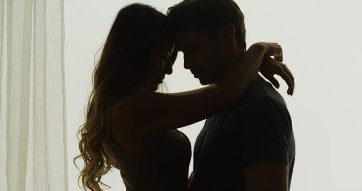 Testi szerelem védőruhában, avagy válassz óvszert, mint egy profi